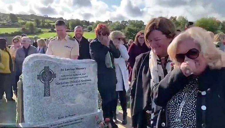 'Let me out, it's f-ing dark in here!' Irish funeral bursts into laughter when pre-recorded message of the deceased was played - video