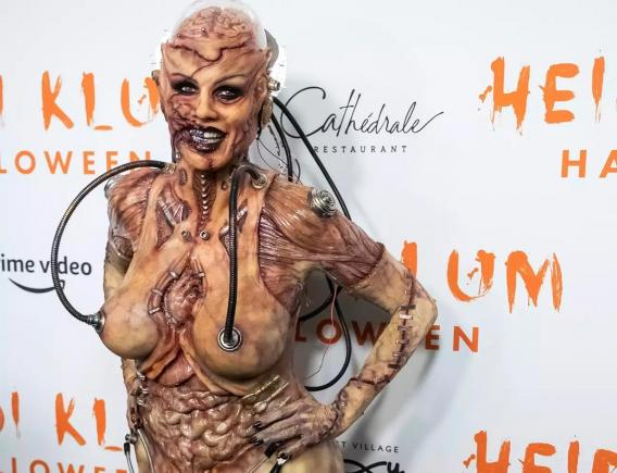 Heidi Klum, 13 hours to get into grotesque Halloween costume - video